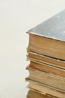 Pila de libros antiguos, concepto de literatura