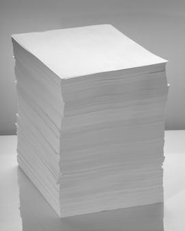 Pila de papel de oficina
