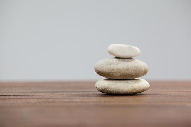 Pila de piedras de cantos rodados