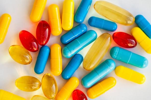 Píldoras de potencia médica para la salud sexual en cápsulas.