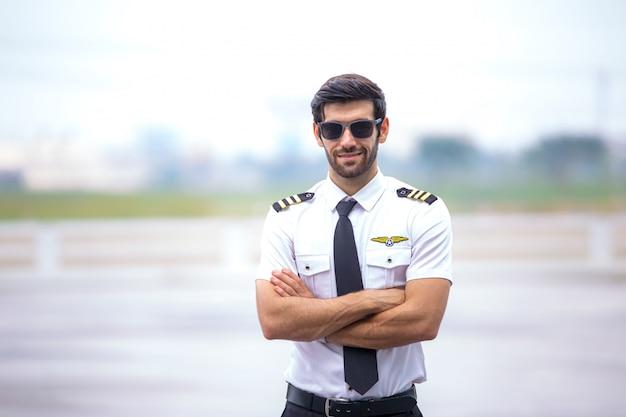Piloto de helicóptero privado comercial