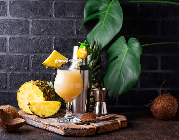 Piña colada. cóctel tradicional caribeño