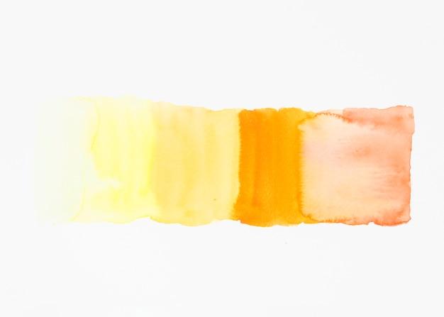 Pincelada de acuarela aislado sobre fondo blanco