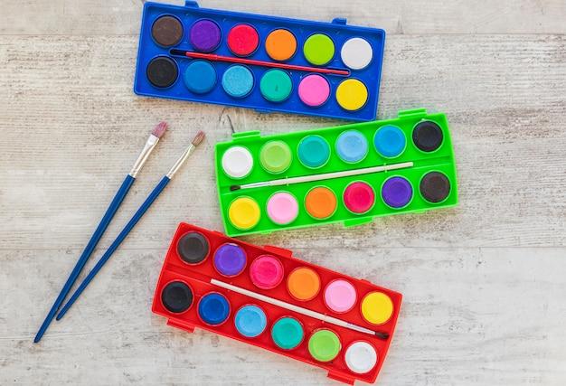 Pinceles para pintar y acrilicos de acuarela