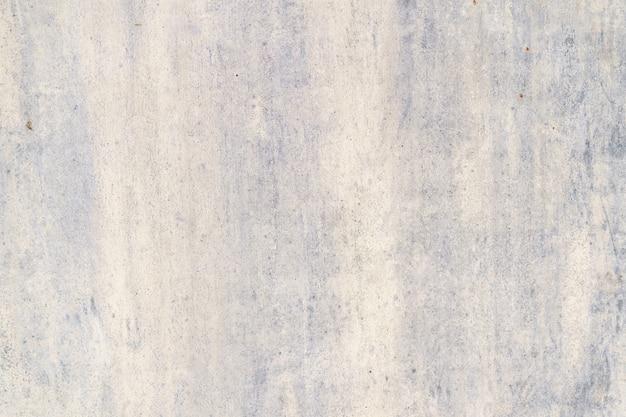 Pintado en púrpura viejo fondo oxidado de metal agrietado.