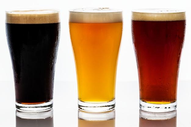 Pintas de macro fotografía de cerveza de barril