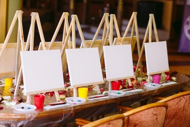 Pintura en la escuela de arte.