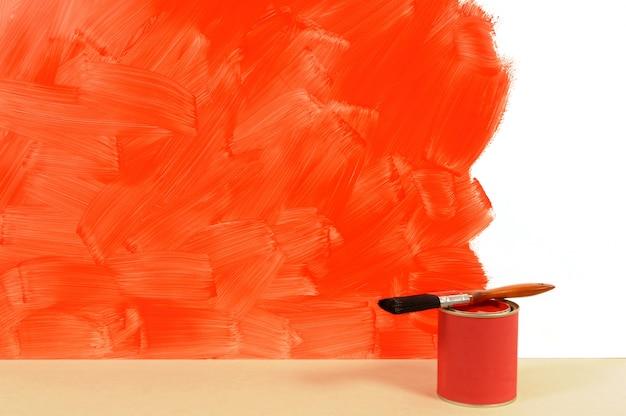 Pintura de una pared roja