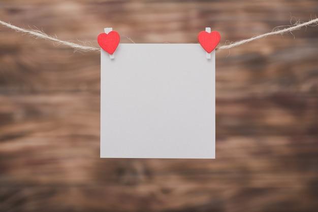Pinzas con un corazón