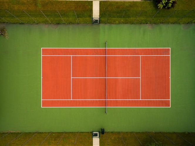 Pista de tenis vista desde el aire