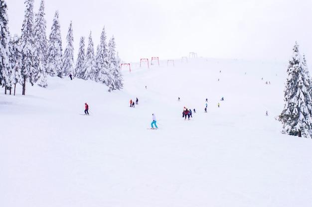 Pista de esquí en invierno