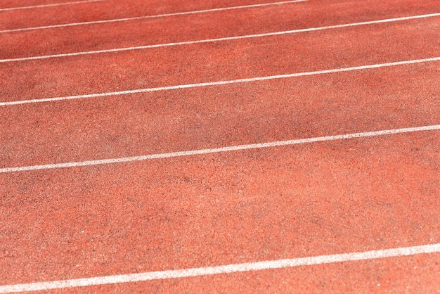 Pista de estadio para competiciones de atletismo y atletismo. nueva cinta de caucho sintético.