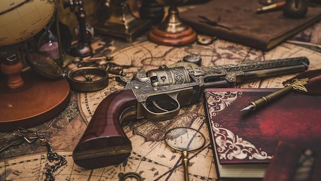 Pistola pirata antigua