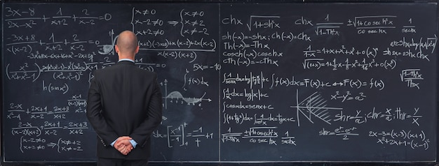 Pizarra con fórmulas