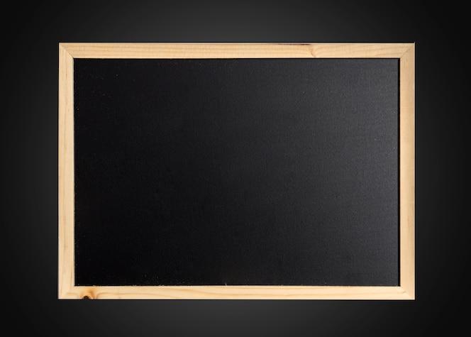 Pizarra vacía en blanco en marco de madera
