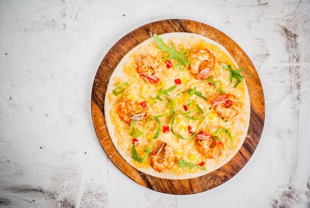 Pizza con camarones langostinos