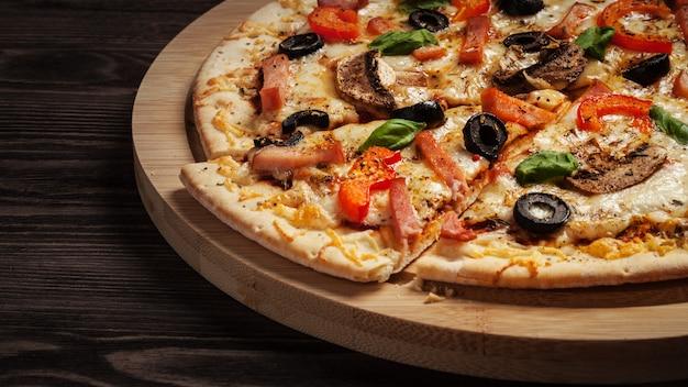Pizza de jamón cerrar buzón