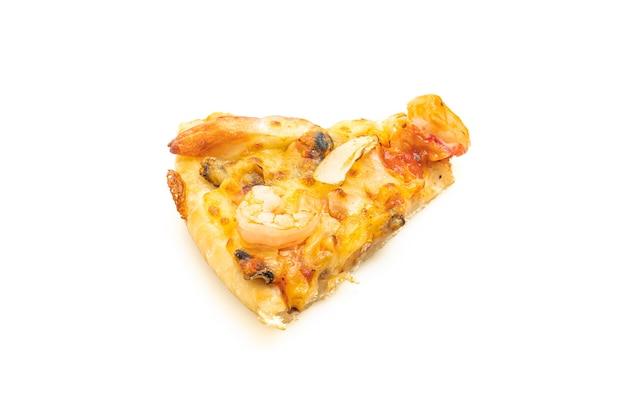 Pizza de mariscos aislado en blanco