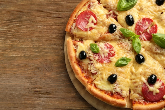Pizza recién horneada, vista superior
