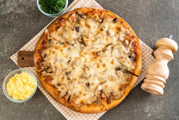 Pizza de seta con salsa de miso