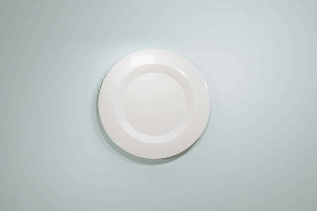 Placa de cerámica blanca clásica para un restaurante o cafetería vista desde la parte superior sobre un fondo azul claro pastel.