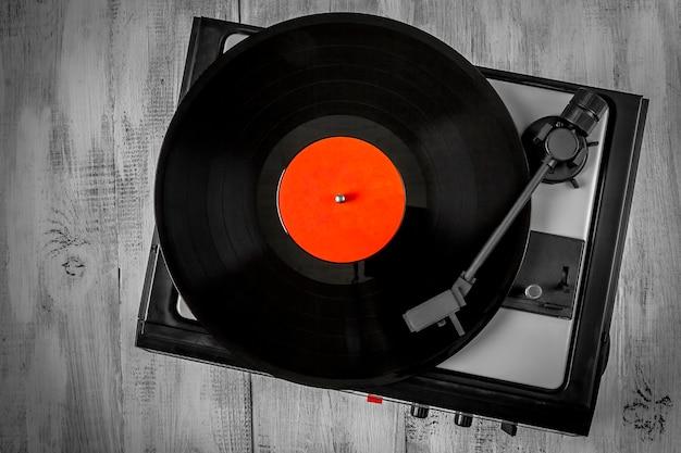 Placa giratoria antigua para discos de vinilo