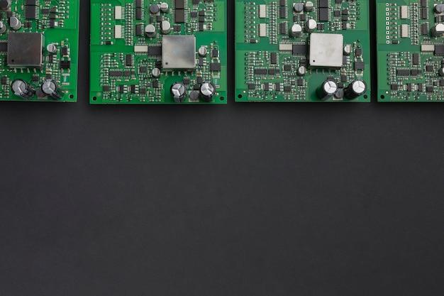 Placas de circuito de vista superior con espacio de copia