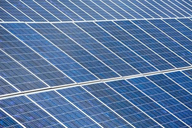 Placas solares para energía solar verde.