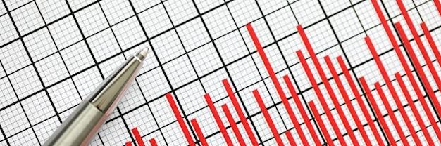 Plan de informes estadísticos con bolígrafo