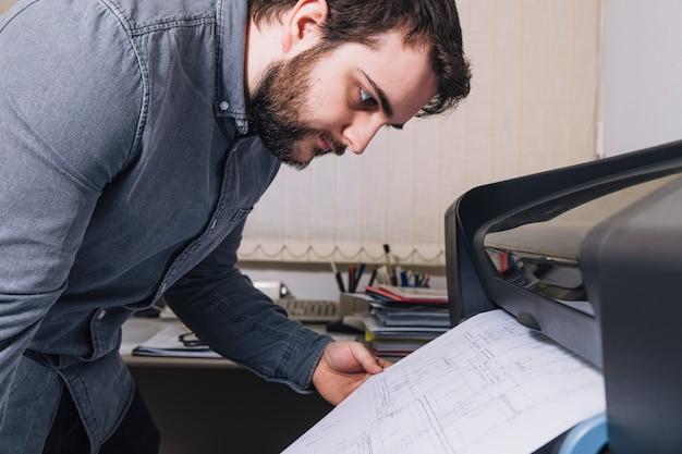 Planes de impresión de arquitecto de vista lateral