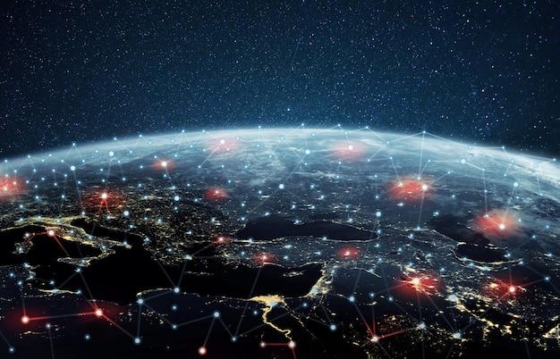 Planeta tierra con conexiones y redes infectadas, vista desde el espacio. concepto de error de comunicación