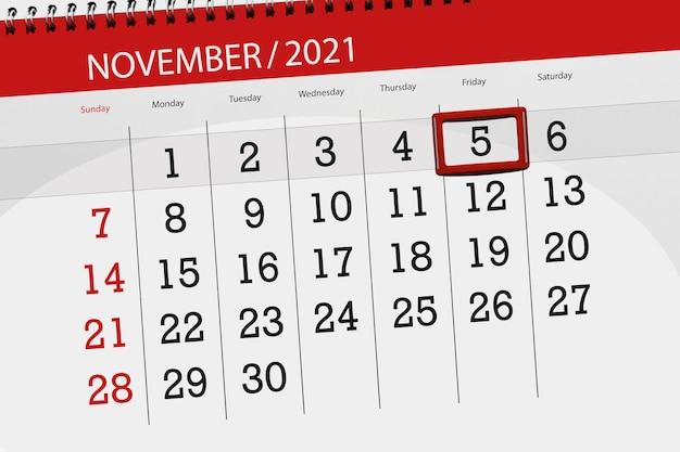 Planificador de calendario para el mes de noviembre de 2021, fecha límite, 5, viernes.