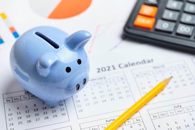 Planifique mantener los ahorros en la alcancía en el año 2021.