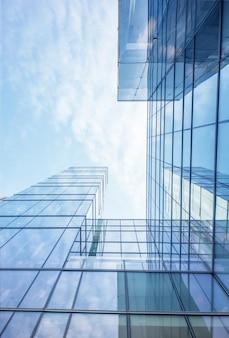 Plano nadir de edificio de cristal