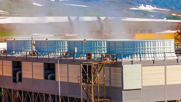 Planta de energía geotérmica en el volcán mutnovsky