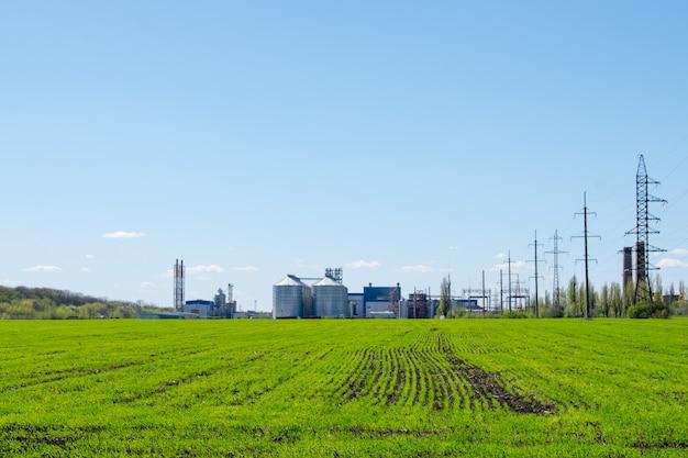Planta moderna de procesamiento de soja.