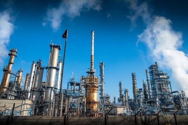 Planta para refinar petróleo