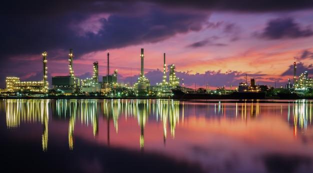 Planta de refinería de petróleo y fábrica industrial de gas