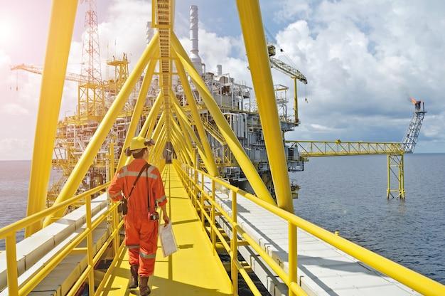 Plataforma de petróleo y gas o plataforma de construcción