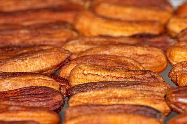 Plátanos secados al sol (plátanos horneados con miel)
