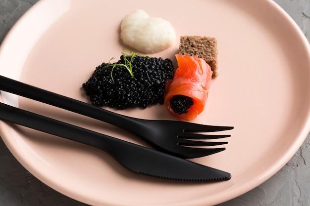Plato alto angel con caviar