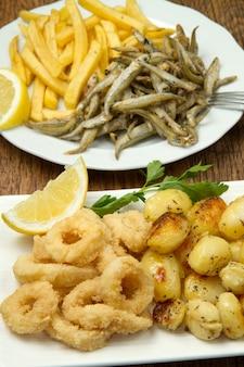 Plato con comida frita