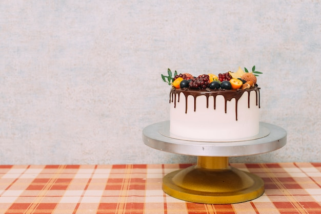 Plato con torta deliciosa