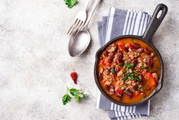 Plato tradicional mexicano chili con carne
