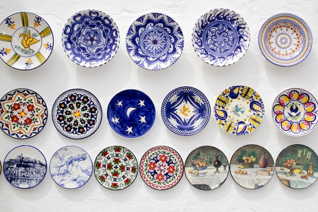 Platos de cerámica artesanales mediterráneos de ibiza