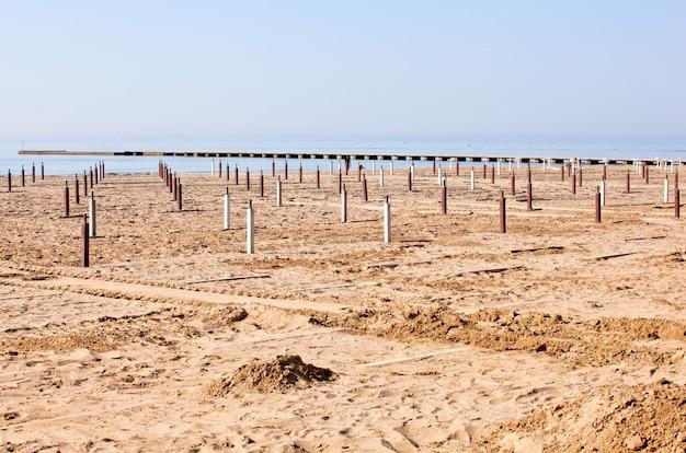Playa antes de la temporada de verano.