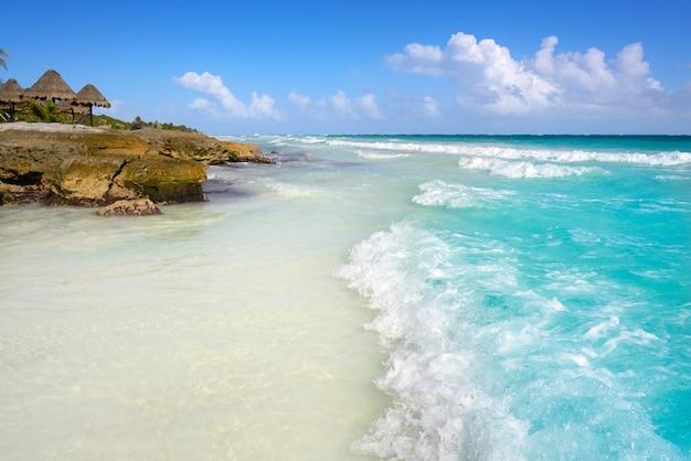 Playa caribeña de tulum en la riviera maya
