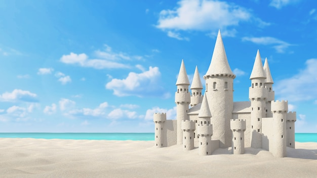 Playa de castillos de arena en el cielo brillante