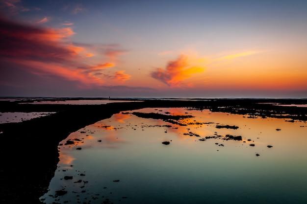 Playa de los corrales, corrales de peces, de rota, cádiz, españa.