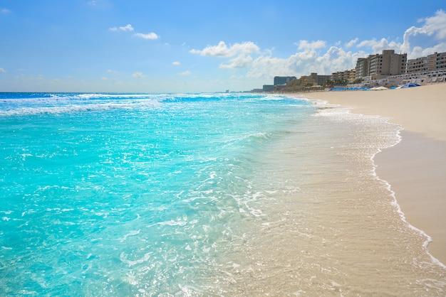 Playa marlin en cancún playa en méxico